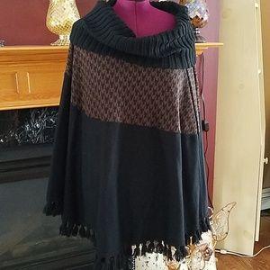 Nina Leonard poncho with wide collar and fringe